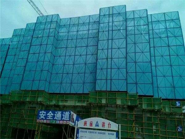 江苏某建筑工地建筑爬架网使用案例
